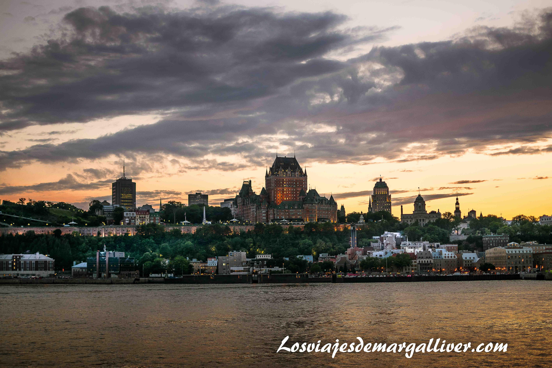 Preciosas vistas desde el ferry que te lleva a Levis al atardecer, que ver en Quebec en un día - Los viajes de Margalliver